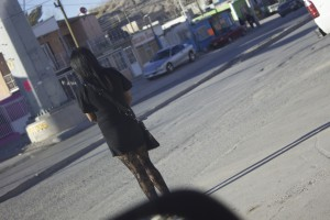 Photo by author: A girl in the Anapra neighborhood of Ciudad Juárez waits to cross the street
